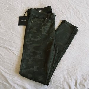 Joe's Jeans*ICON Camo. Skinny Jeans*Size 28 $228